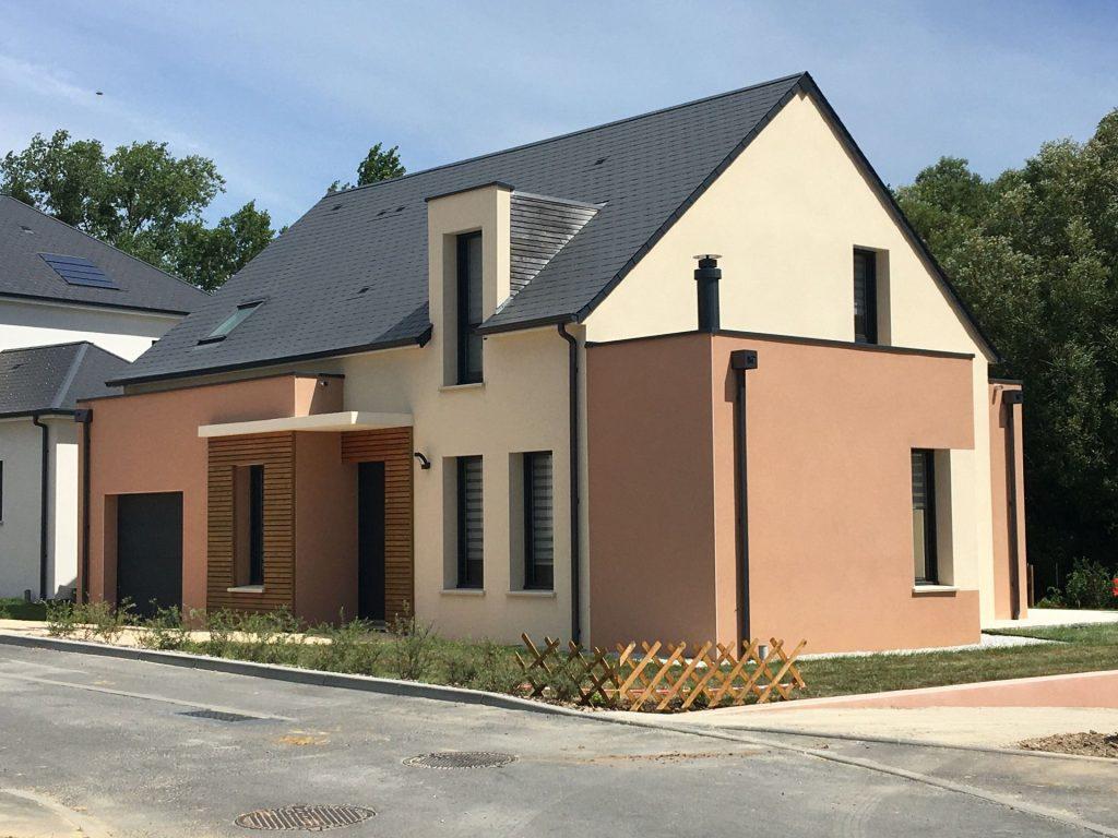 Maison moderne à étage à Rouillon